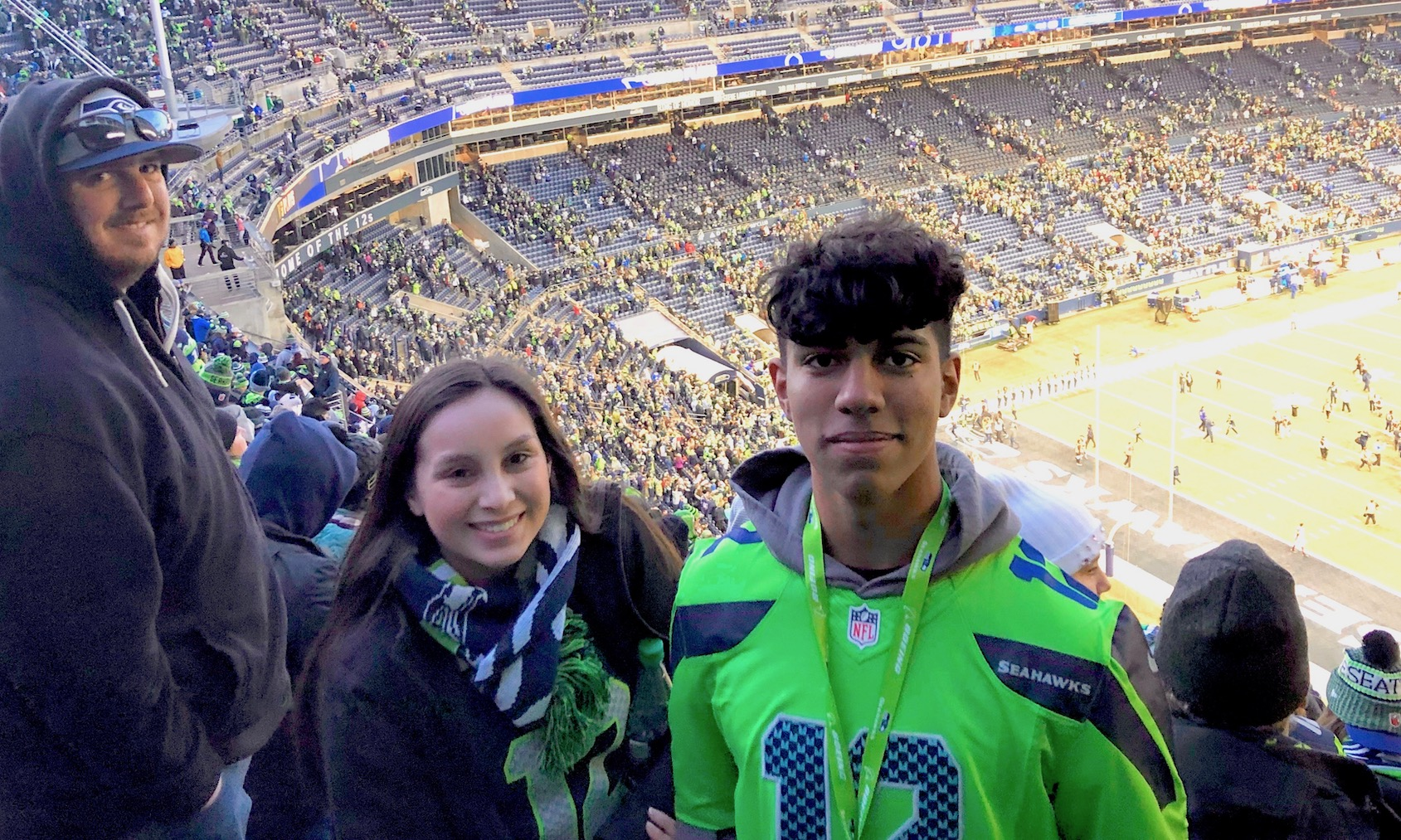 GHS MESA students at Seahawks game.